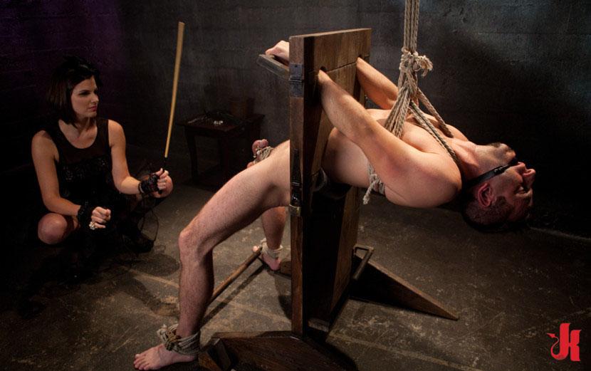 следующий день порно видео мужчины в плену госпожа ходячий кладезь фактической